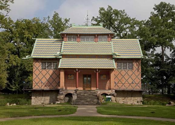 Das chinesische Haus im Schlosspark Oranienbaum. Foto: Heinz Fräßdorf.